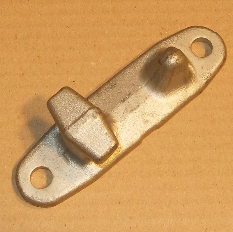 Gegenhalter oben für Drehstangenverschluss innen [10-000264]