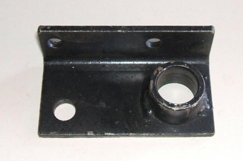 Konsole rechts p.f. M25 [27-000063]