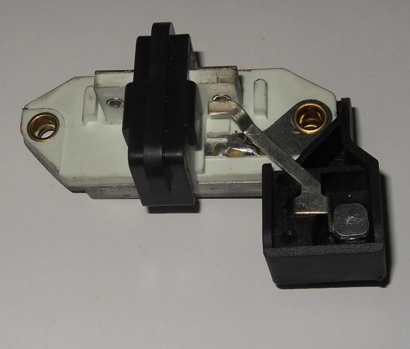 Regler p.f. IVECO Lichtmaschine Marelli 93160170 [32-000017]
