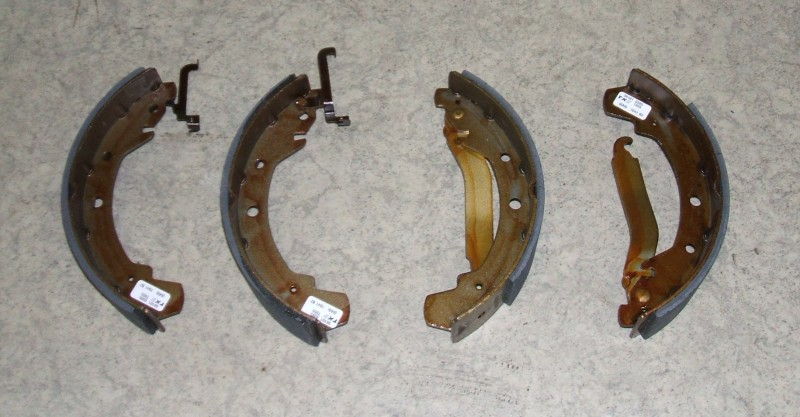 Bremsbackensatz p.f. VW LT 28-35 OE:281698527GV [981010385000]